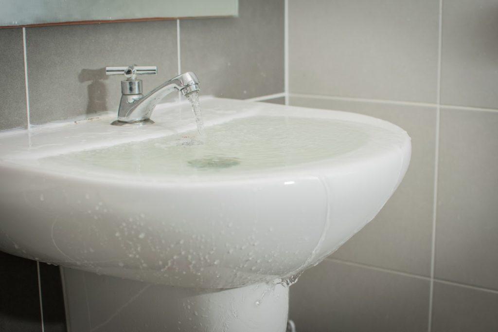 Plumbers 911 - Clogged sink
